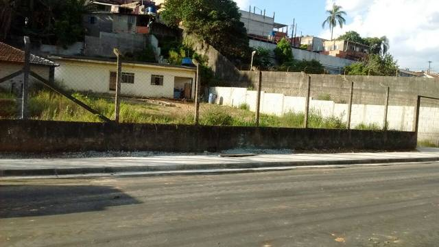 Terreno no Bonsucesso com 1900 m2 2